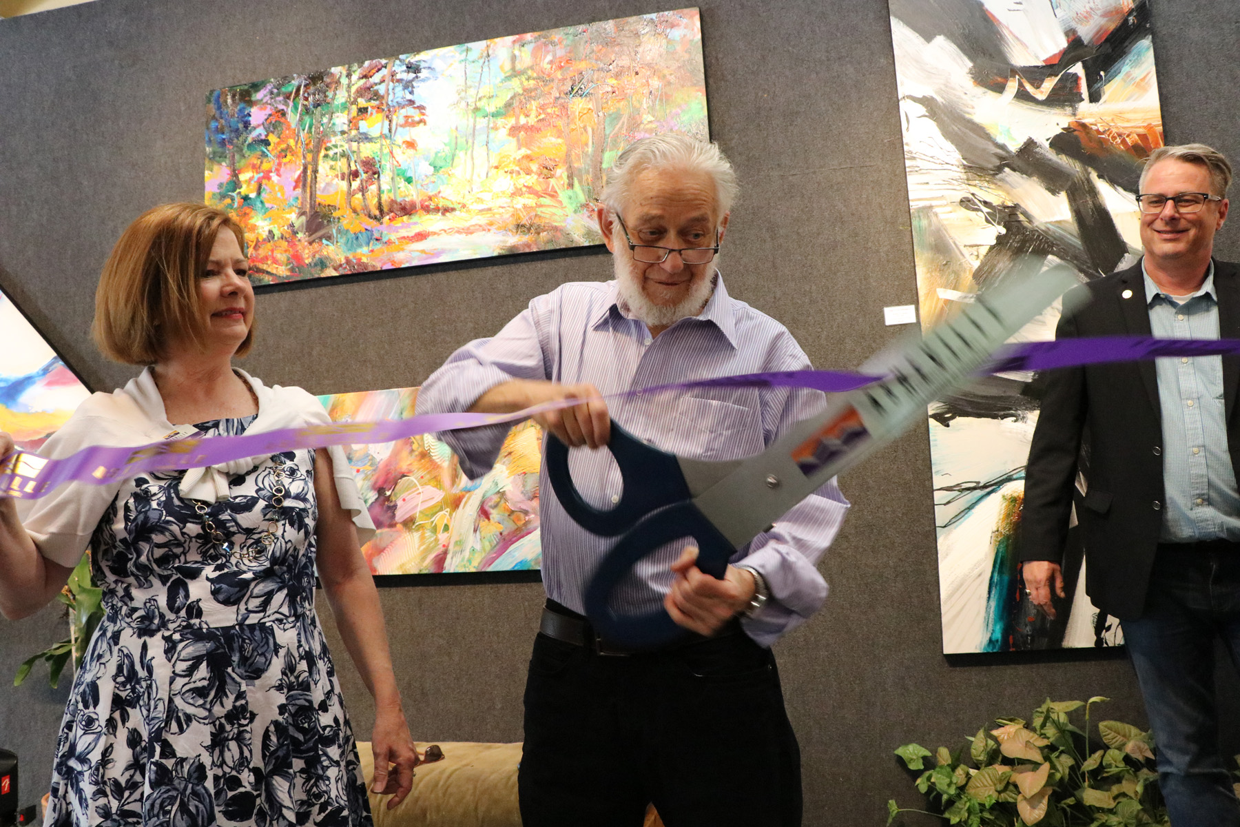 Jonas Gerard Fine Art 10 year ribbon cutting in Asheville.